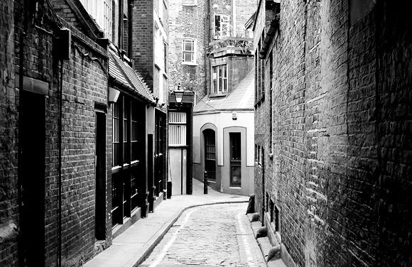 newman-passage-london-w1-02